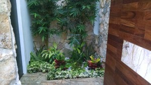 Jardineras Residencia Punta Lago (3)